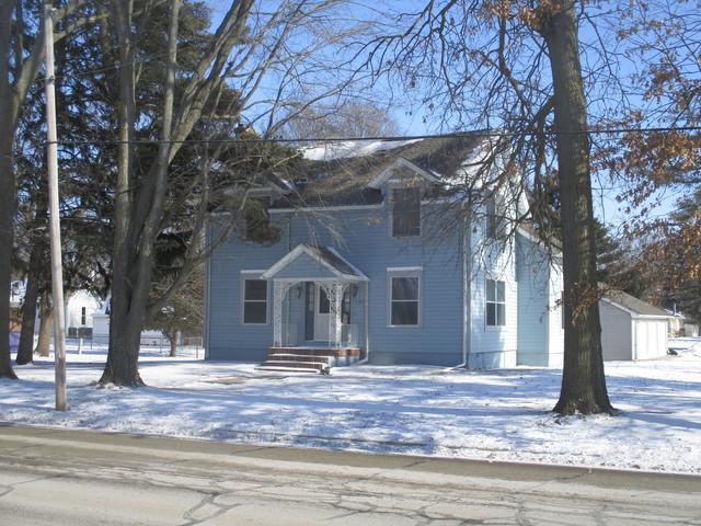 707 S Niles Avenue, Tuscola, IL 61953 (MLS #09833922) :: Littlefield Group