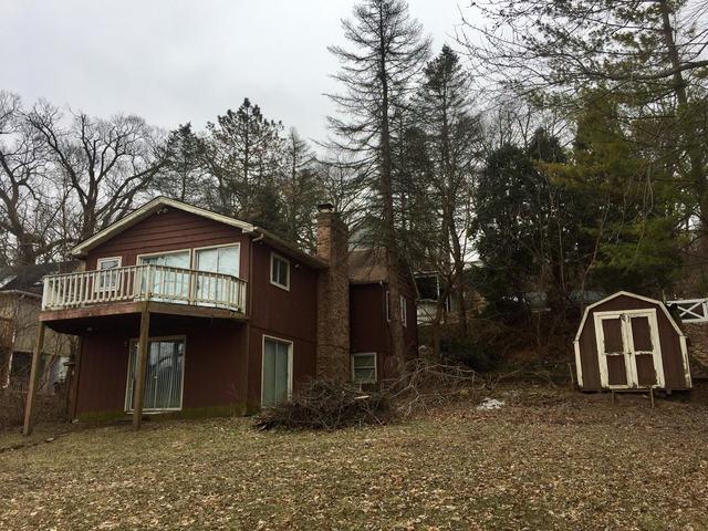902 Ski Hill Road, Fox River Grove, IL 60021 (MLS #09835280) :: Lewke Partners