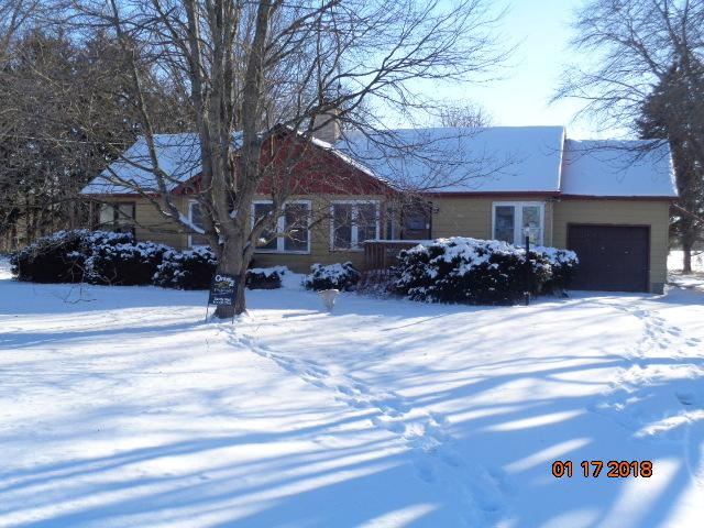 411 W Main Street, Capron, IL 61012 (MLS #09835293) :: Littlefield Group