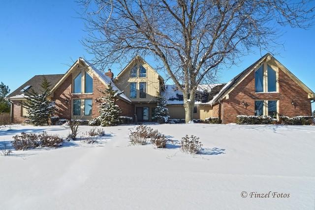 8735 Belfield Road, Crystal Lake, IL 60014 (MLS #09835332) :: Lewke Partners