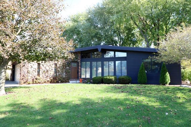 10320 Cindy Jo Avenue, Huntley, IL 60142 (MLS #09835362) :: Lewke Partners