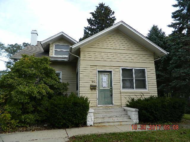 90 W Franklin Avenue, Crystal Lake, IL 60014 (MLS #09835737) :: Lewke Partners