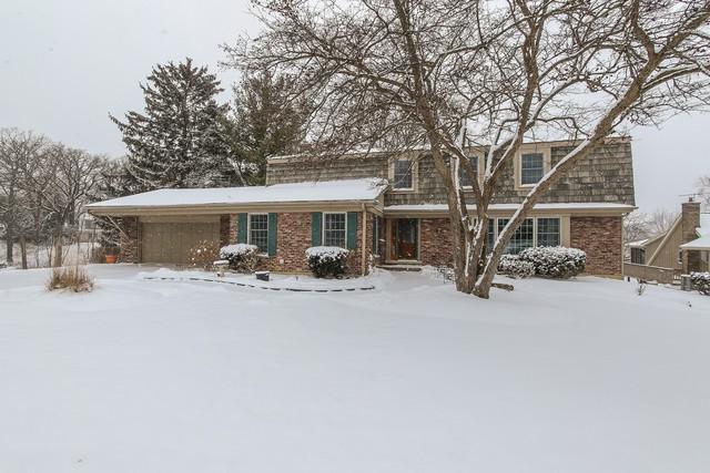 1360 Lake Shore Drive S, Barrington, IL 60010 (MLS #09836086) :: Lewke Partners