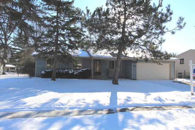109 Barrow Drive, Crystal Lake, IL 60014 (MLS #09836193) :: Lewke Partners