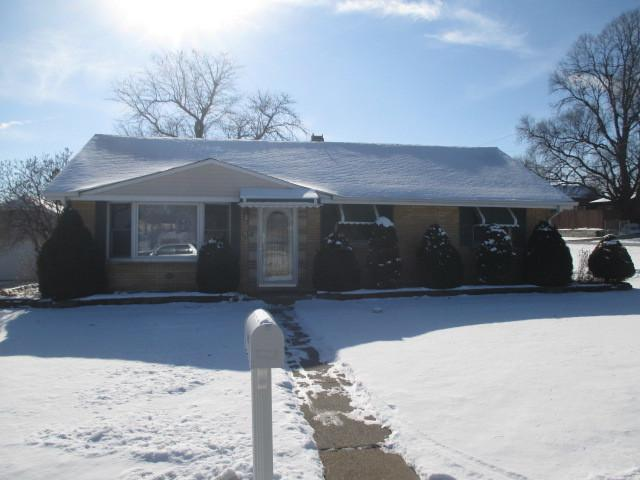 8047 W 92nd Place, Hickory Hills, IL 60457 (MLS #09836895) :: The Wexler Group at Keller Williams Preferred Realty
