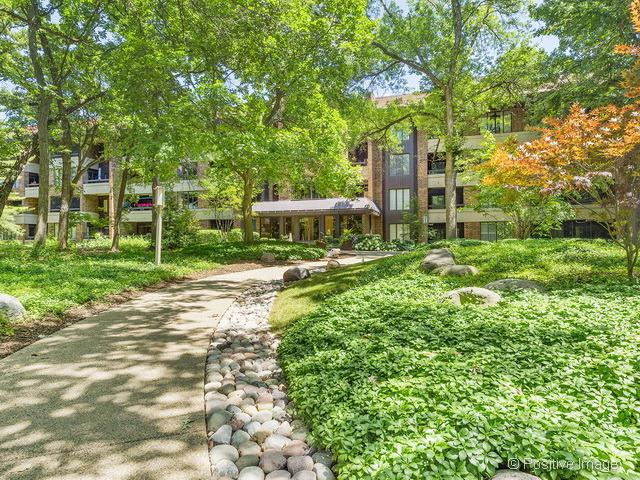 1401 Burr Oak Road 111B, Hinsdale, IL 60521 (MLS #09837057) :: The Wexler Group at Keller Williams Preferred Realty