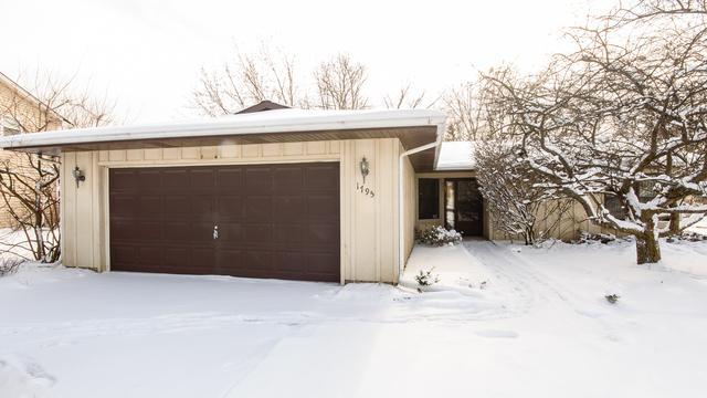 1795 Shorewood Drive N, Hoffman Estates, IL 60192 (MLS #09837127) :: RE/MAX Unlimited Northwest