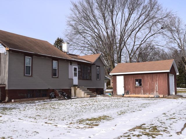 300 W 3rd Street, Spring Valley, IL 61362 (MLS #09837335) :: Lewke Partners