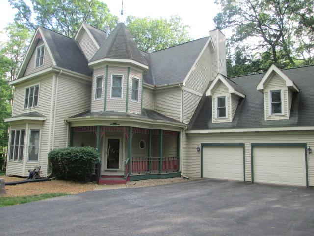 26920 S Balmoral Woods Drive, Crete, IL 60417 (MLS #09837860) :: Helen Oliveri Real Estate