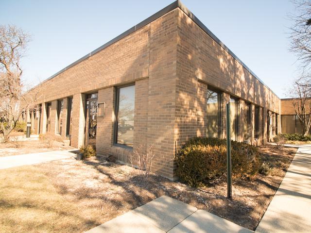 4260 Westbrook Drive #110, Aurora, IL 60504 (MLS #09838540) :: Ani Real Estate