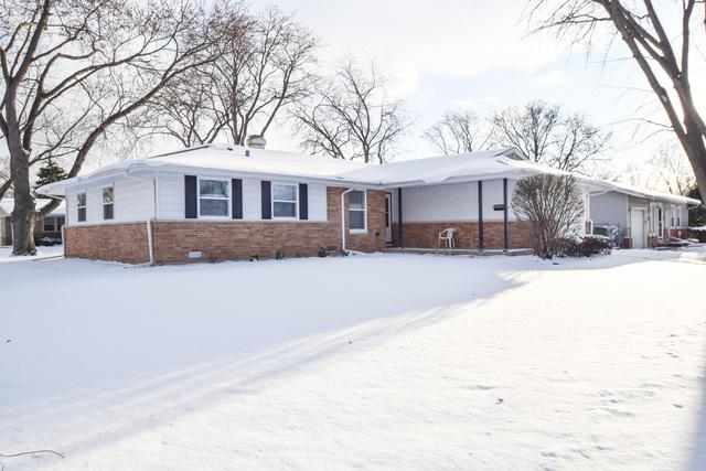651 Charing Cross Road, Elk Grove Village, IL 60007 (MLS #09838581) :: Ani Real Estate