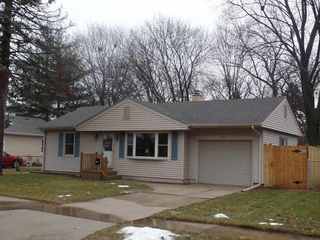 811 Northfield Avenue, Loves Park, IL 61111 (MLS #09839063) :: The Dena Furlow Team - Keller Williams Realty