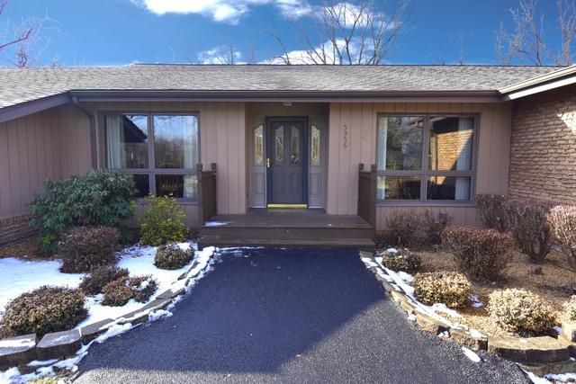 5936 Bentley Avenue, Willowbrook, IL 60527 (MLS #09839126) :: Lewke Partners