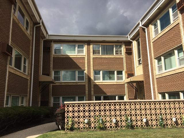 2257 Des Plaines Avenue 3SW, North Riverside, IL 60546 (MLS #09839280) :: Domain Realty