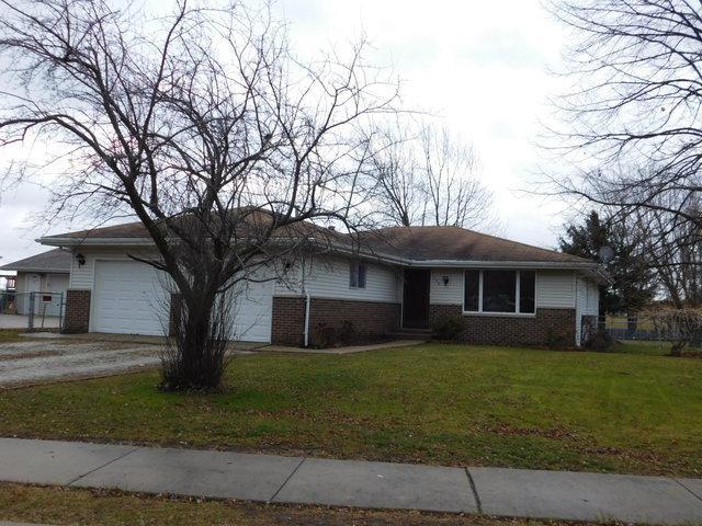 132 N Saint Louis Street, Elwood, IL 60421 (MLS #09842320) :: The Dena Furlow Team - Keller Williams Realty