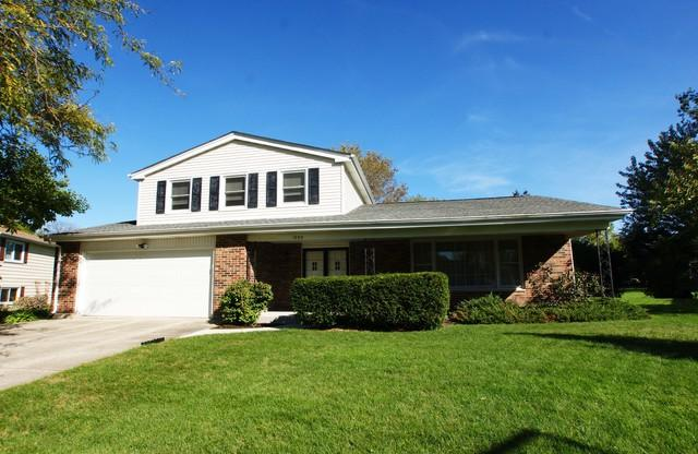 1032 Crabtree Lane, Libertyville, IL 60048 (MLS #09844873) :: The Dena Furlow Team - Keller Williams Realty