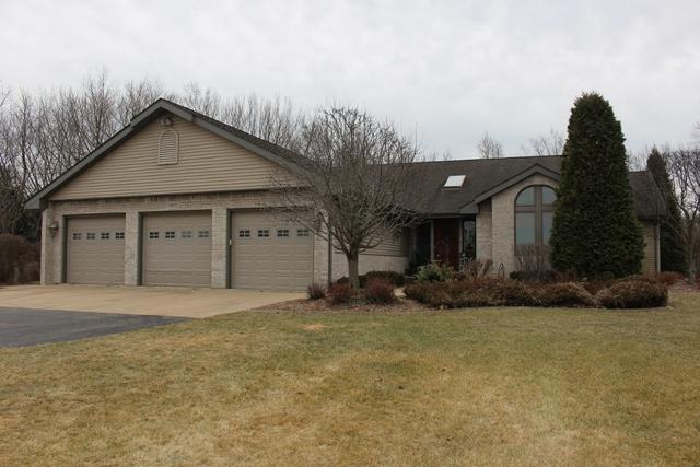 9805 Lawrenceville Road, Garden Prairie, IL 61038 (MLS #09844904) :: The Jacobs Group