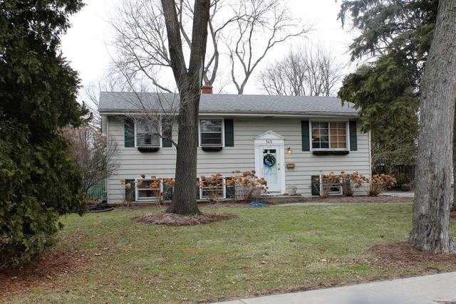 345 Sycamore Drive, Naperville, IL 60540 (MLS #09845182) :: Lewke Partners
