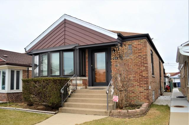 6846 S Tripp Avenue, Chicago, IL 60629 (MLS #09845364) :: The Dena Furlow Team - Keller Williams Realty
