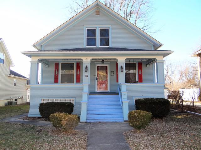138 N Elm Street, Paxton, IL 60957 (MLS #09846202) :: The Dena Furlow Team - Keller Williams Realty