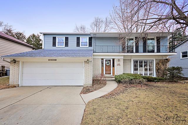 1040 Cambridge Drive, Buffalo Grove, IL 60089 (MLS #09847667) :: Lewke Partners