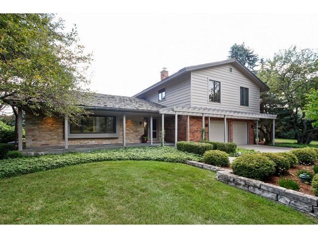 1620 Greenbrier Drive, Green Oaks, IL 60048 (MLS #09847808) :: Lewke Partners