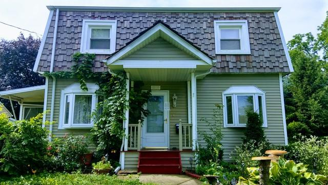 10135 W Medill Avenue, Melrose Park, IL 60164 (MLS #09851055) :: The Dena Furlow Team - Keller Williams Realty