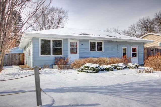 7 Circle Drive, Fisher, IL 61843 (MLS #09852775) :: Littlefield Group