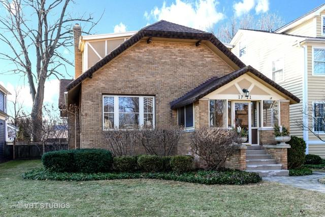 1721 Highland Avenue, Wilmette, IL 60091 (MLS #09853043) :: The Jacobs Group