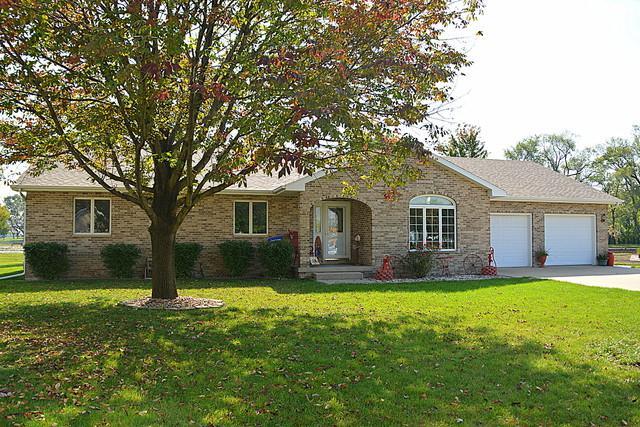 518 E Park View Drive, Gilman, IL 60938 (MLS #09854268) :: Domain Realty