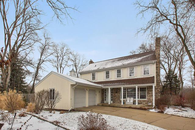 800 Woodbine Lane, Northbrook, IL 60062 (MLS #09856616) :: The Spaniak Team