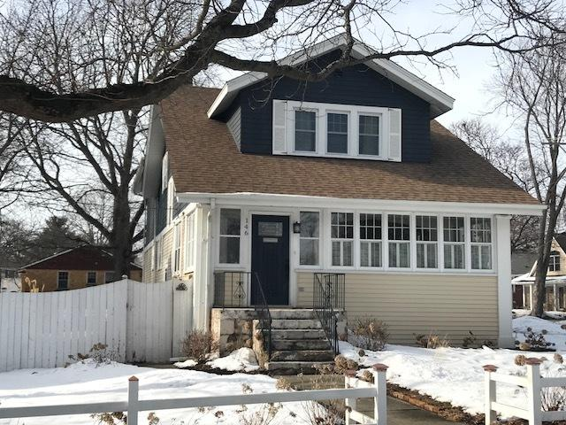 146 College Street, Crystal Lake, IL 60014 (MLS #09856750) :: Key Realty