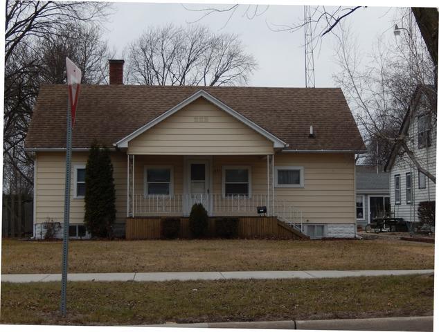 495 S Wabash Avenue, Bradley, IL 60915 (MLS #09857063) :: The Dena Furlow Team - Keller Williams Realty