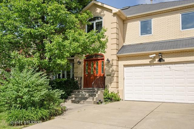 6621 N Saint Louis Avenue, Lincolnwood, IL 60712 (MLS #09857198) :: The Dena Furlow Team - Keller Williams Realty