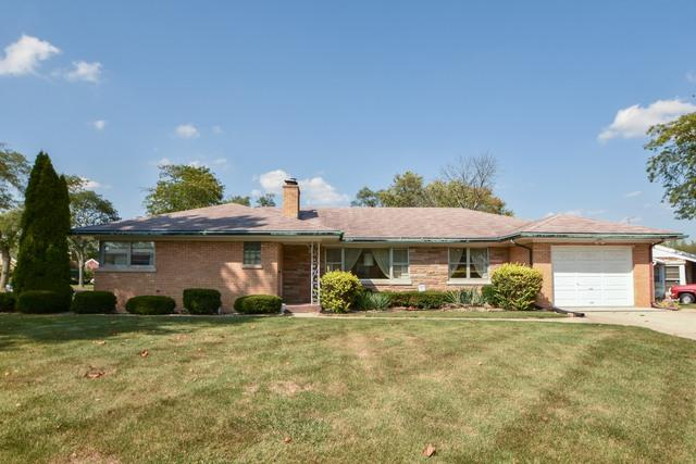275 W Highland Drive, Chicago Heights, IL 60411 (MLS #09858314) :: The Dena Furlow Team - Keller Williams Realty