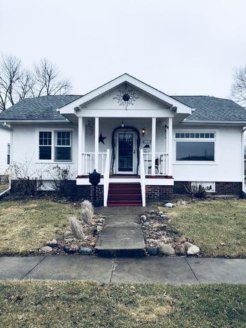 107 E Daggy Street, Tuscola, IL 61953 (MLS #09858356) :: Ryan Dallas Real Estate