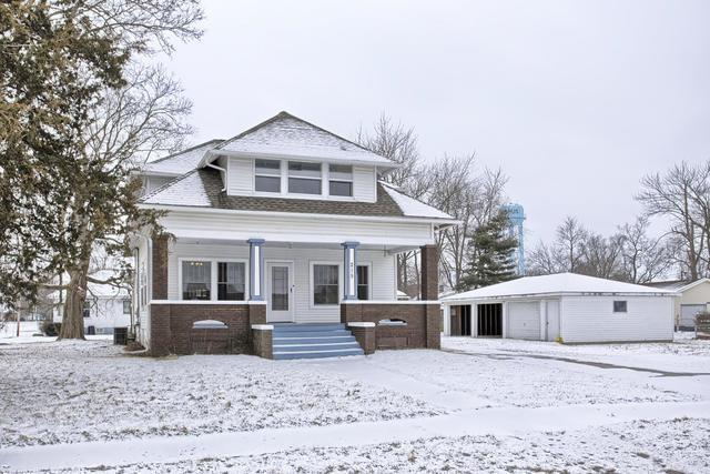 215 E Market Street, SADORUS, IL 61872 (MLS #09858483) :: The Dena Furlow Team - Keller Williams Realty