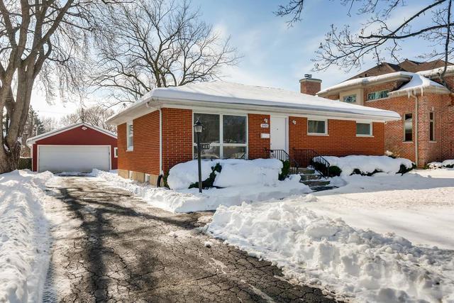 3407 Highland Court, Glenview, IL 60025 (MLS #09859007) :: Helen Oliveri Real Estate