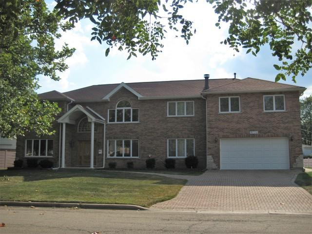 9230 Cameron Lane, Morton Grove, IL 60053 (MLS #09859137) :: Helen Oliveri Real Estate