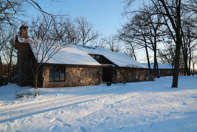 15958 S Oak Valley Trail, Homer Glen, IL 60491 (MLS #09859379) :: Lewke Partners