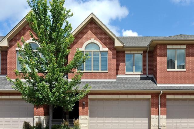 24 Northfield Terrace, Wheeling, IL 60090 (MLS #09859456) :: Helen Oliveri Real Estate