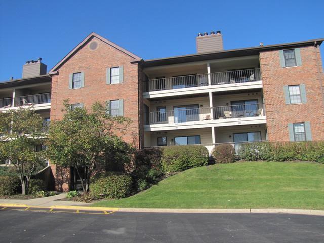 621 Hapsfield Lane #104, Buffalo Grove, IL 60089 (MLS #09859532) :: Helen Oliveri Real Estate