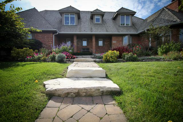 10721 Victoria Place, Orland Park, IL 60467 (MLS #09859639) :: Baz Realty Network | Keller Williams Preferred Realty