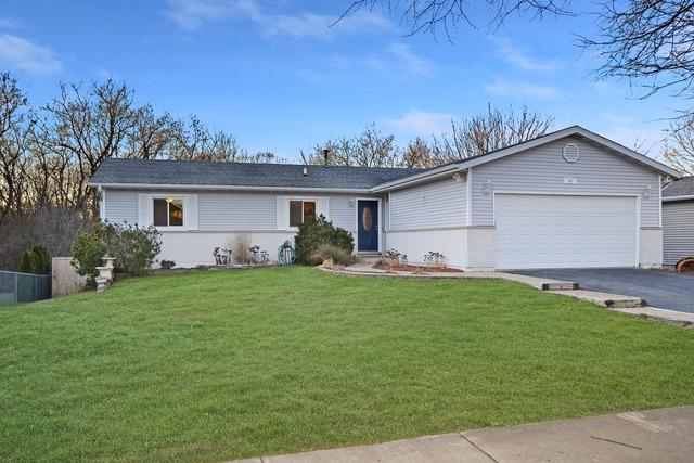 40 Briarwood Circle, Crystal Lake, IL 60014 (MLS #09859851) :: Key Realty