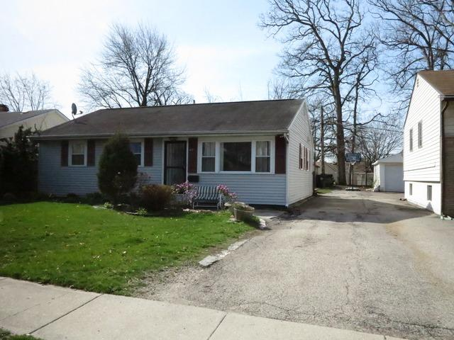 427 Emerson Lane, Mundelein, IL 60060 (MLS #09859923) :: Helen Oliveri Real Estate