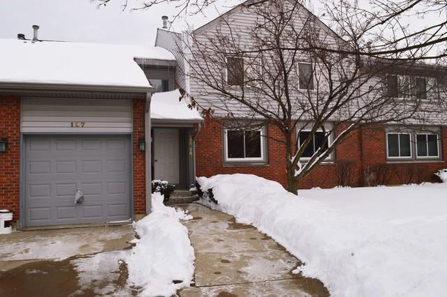 139 Morningside Lane E, Buffalo Grove, IL 60089 (MLS #09860293) :: Helen Oliveri Real Estate