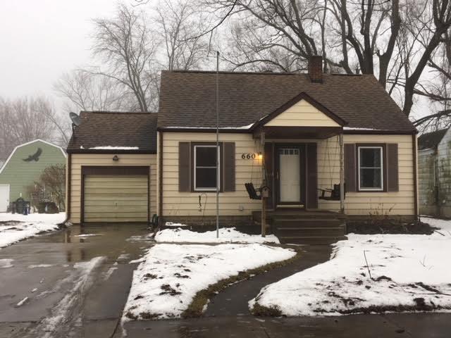 660 S Mckinley Avenue, Kankakee, IL 60901 (MLS #09860378) :: Lewke Partners