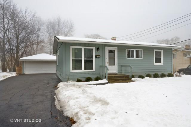 2807 Forest Glen Parkway, Woodridge, IL 60517 (MLS #09860514) :: Lewke Partners