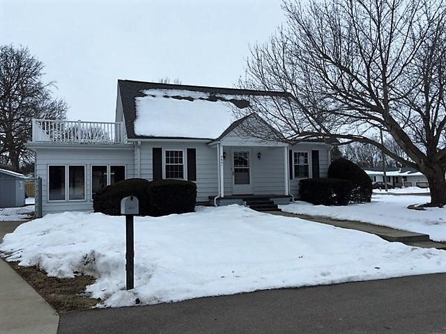 5601 Mill Street, Sterling, IL 61081 (MLS #09860934) :: Lewke Partners