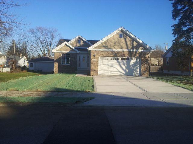 1620 Highland Avenue, Crest Hill, IL 60403 (MLS #09861579) :: The Dena Furlow Team - Keller Williams Realty